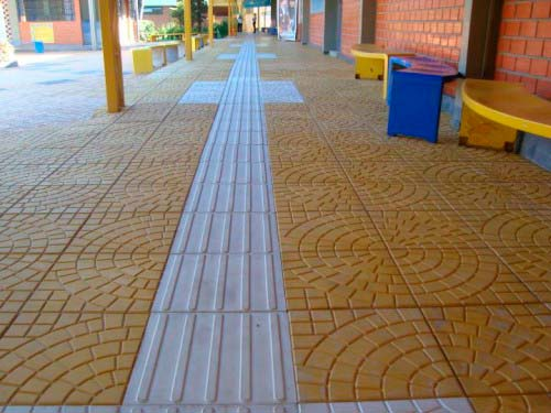 Pisos táteis de concreto SP